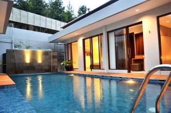 3 BR Villa Dago Mountain View Bandung - 7 Bedrooms Private Villa Regular Plan