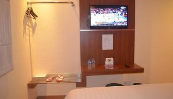 World Hotel Jakarta - Superior Twin Room Only Regular Plan