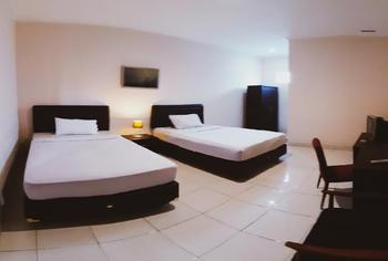 Saskava Hotel & Resto Bandung - Deluxe Twin Bed With Breakfast Last Minute Promo