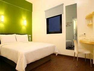 Amaris Hotel Banjar Banjarmasin - Smart Room Queen Regular Plan