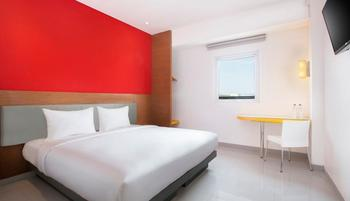 Amaris Banjar - Smart Room Queen Staycation Offer Room Only Regular Plan
