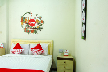 OYO 677 Rianes Family Guest House Lembang - Standard Double Room Regular Plan