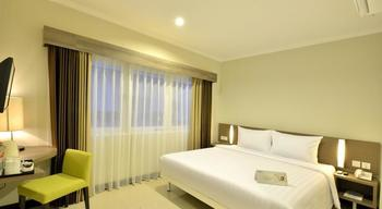 Whiz Prime Surabaya - Superior Room For 1 Person Regular Plan