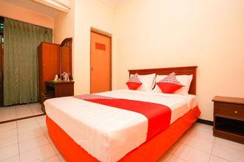 OYO 1225 Hotel Dibino Surabaya - Standard Double Room Regular Plan