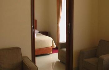 Puri Bernadi Guest House Bandung - Presidential Suite Room Only Regular Plan