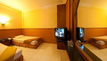 Hotel Bintang Solo - Moderate Room Promo Regular Plan