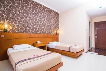 Hotel Bintang Solo - Deluxe Promo Room Only Regular Plan