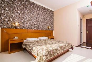 Hotel Bintang Solo - Deluxe Room Only Regular Plan