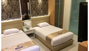 Hillside Suite Guest House Malang - KAMAR DELUXE Regular Plan