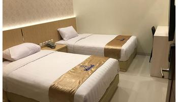 Hillside Suite Guest House Malang - KAMAR STANDART  (Kamar Mandi Luar - Private) Regular Plan