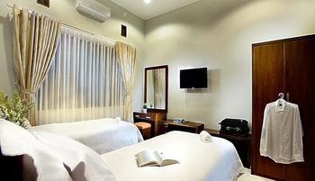 Omah Garuda Homestay Yogyakarta - Deluxe Twin Regular Plan
