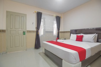 RedDoorz @ Tanjung Karang Lampung Bandar Lampung - RedDoorz Room with Breakfast Regular Plan