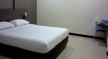 Hotel Permata Purwakarta - Deluxe Room With Breakfast Regular Plan