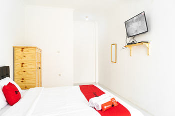 RedDoorz Syariah near Jatisampurna Hospital Bekasi - RedDoorz Limited SALE Regular Plan