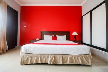 RedDoorz Premium @ Bukit Damai Indah Balikpapan - RedDoorz Twin Room with Breakfast Last Minute