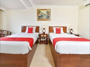RedDoorz @ Raya Kuta - RedDoorz Twin Room Basic Deal Promotion