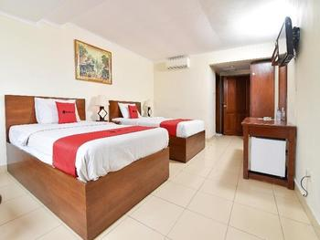 RedDoorz @ Raya Kuta - RedDoorz Twin Room with Breakfast Regular Plan