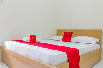 RedDoorz near Universitas Siliwangi Tasikmalaya Tasikmalaya - RedDoorz Room KETUPAT