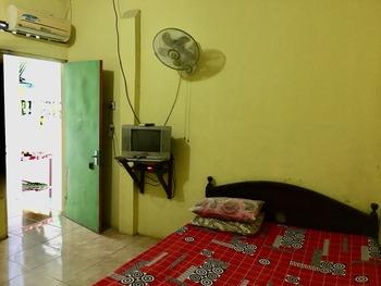 Losmen Prasetyo Yogyakarta - Ekonomy Room with Fan Room Only FC MLOS2