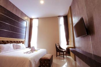 Giri Palma Hotel Malang - Family Room Always On