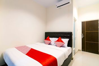 OYO 1431 Travel-inn Yogyakarta - Deluxe Double Room Regular Plan