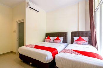 OYO 1431 Travel-inn Yogyakarta - Suite Triple Regular Plan