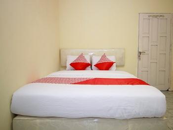 OYO 1335 Anie 71 Residence Bengkulu - Deluxe Double Room Regular Plan