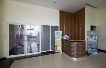 RedDoorz Apartment near D'Mall Depok
