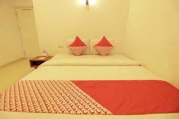 OYO 396 Tibrae Homestay Syariah Bandung - Deluxe Double Room Regular Plan
