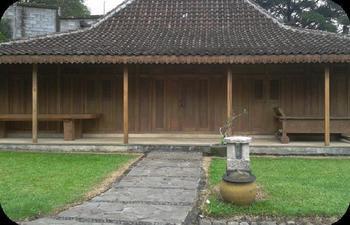 Padi Heritage Hotel Malang - Joglo limasan Last Minute Deals