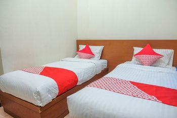 OYO 1149 Hotel Mustika Belitung - Standard Twin Room Regular Plan