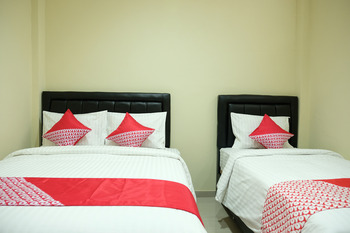 OYO 1149 Hotel Mustika Belitung - Standard Family Room Regular Plan