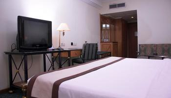 Garden Palace Surabaya - Classic Room Only Limited Time 50%