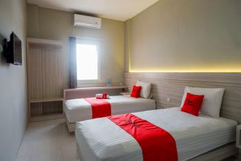 RedDoorz Syariah near PRPP Semarang Semarang - RedDoorz Twin Room Kurma Deal