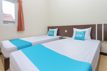 Airy Raya Banjar Indah Permai Green Residence 4 Banjarmasin - Standard Twin Room Only  Regular Plan