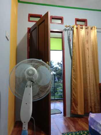 Zahra Homestay Sorong - Standard Room Fan Regular Plan