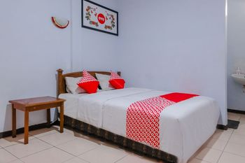 OYO 926 Hotel Nugraha Malang - Deluxe Double Room Regular Plan