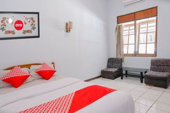 OYO 926 Hotel Nugraha Malang - Standard Double Room Regular Plan
