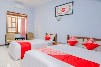 OYO 926 Hotel Nugraha Malang - Suite Family Regular Plan