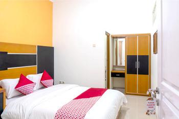 OYO 617 Sukaraja Residence Syariah Bandung - Deluxe Double Room Regular Plan