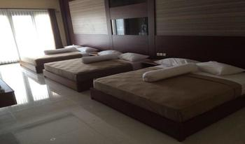 d'BILZ Hotel Pangandaran - Triple Bed Regular Plan