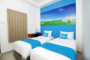 Airy Eco Syariah Padang Andalas Komplek Polamas A88 - Standard Twin Room with Breakfast Regular Plan