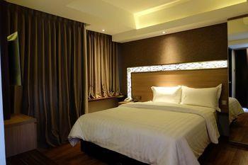 Hotel Wirton Seminyak Bali - Suite Room Regular Plan