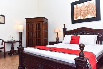 RedDoorz Plus Near Tugu Jogja 3 Yogyakarta - RedDoorz Suite Room Regular Plan