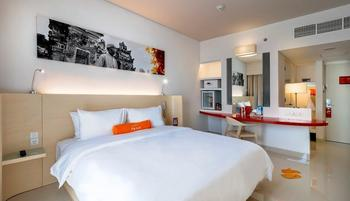 HARRIS Hotel and Conventions Denpasar Bali - Harris Room Pool View with Breakfast Regular Plan