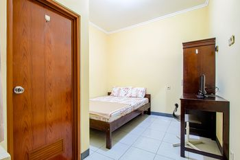 Tuscany Garden Bekasi - Standard Double Room NONREF Room Only Regular Plan