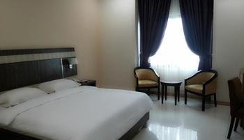 Hotel EFA Banjarmasin - Deluxe Room Only Regular Plan