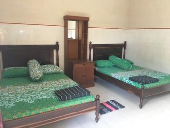Penginapan Mentorogo Yogyakarta - Deluxe Quadruple Room Only NR MS2N 25%
