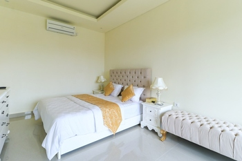 Royal Maharani Nusa Dua Bali - 2 Bedroom Villa with Private Pool MINIMUM STAY 2 NIGHTS