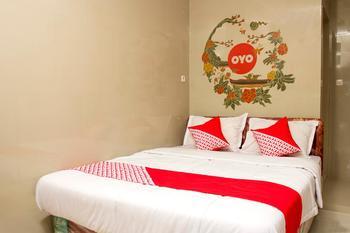 OYO 417 Bama Guesthouse Near RSUP Dr Sardjito Yogyakarta - Deluxe Double Room Regular Plan